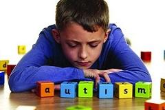 幼儿自闭症比较突出的表现?可以通过哪些感统训练方法改善
