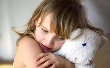 日常生活中孩子感统失调常见的表现有哪些?