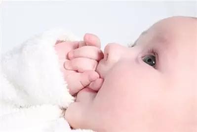 孩子听知觉感统失调的表现