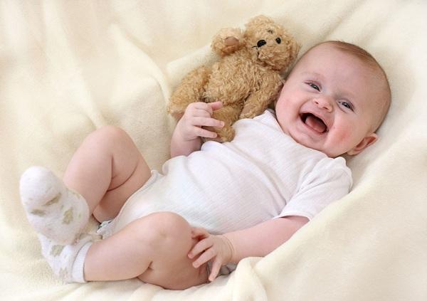 2月龄孩子视听觉发展的感统训练方法