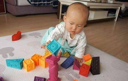 2岁孩子在感统训练